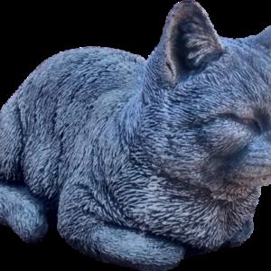 Steinfigur Katze hockend mit grobem Fell