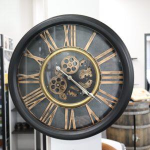 Virginia Uhr Schwarz/Gold 52,5 cm