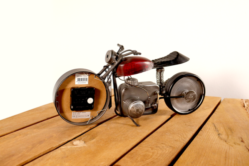 Uhr Motorrad aus Metall